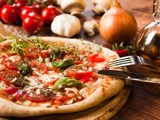 Come fare una buona pizza in casa blog fileni for Pizza in casa